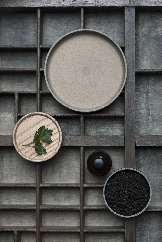 hasami porcelain-japanese-tradition-ceramics