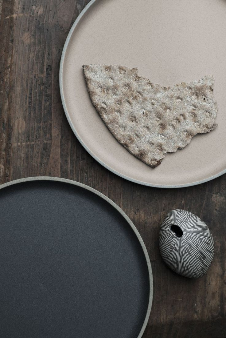 hasami-porcelain-plates-iglooo-nordic-design