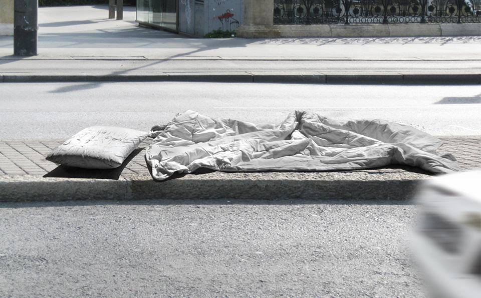 Noemi-Kiss-Strasse-Beton-Schlafplatz- design-iglooo