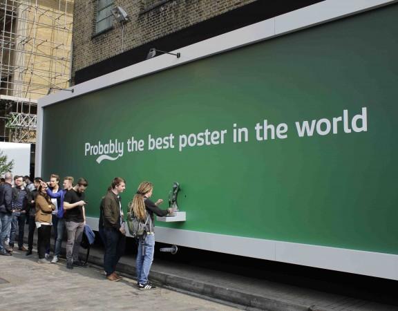 affissioni interattive Carlsberg beer