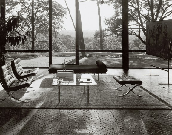 Design Icons at Cinema || desgin Mies van der Rohe, #Barcelona chair || Knoll