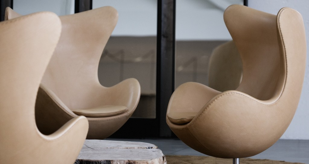 arne jacobsen egg chair particolare