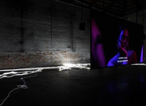 57.-Esposizione-Internazionale-dArte-Venezia-2017-Padiglione-Italia-Adelita-Husni-Bey-The-Reading-La-Seduta-photo-credit-Andrea-Ferro-