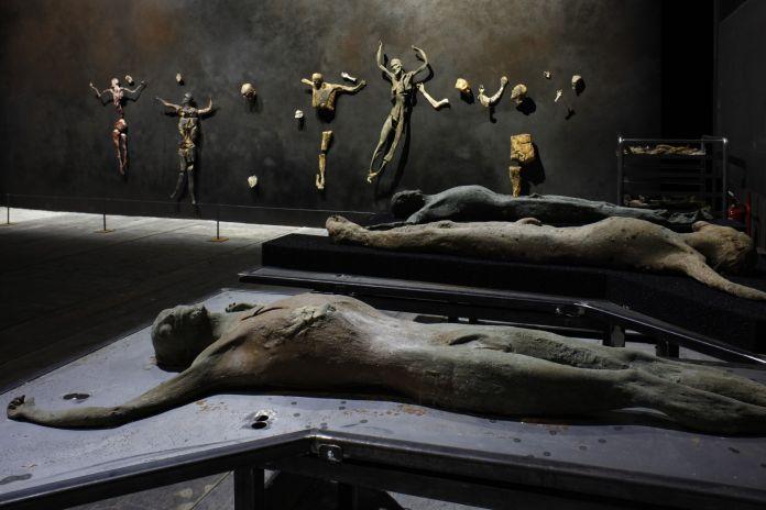 57.-Esposizione-Internazionale-dArte-Venezia-2017-Padiglione-Italia-Roberto-Cuoghi-Imitazione-di-Cristo-photo-credit-Andrea-Ferro