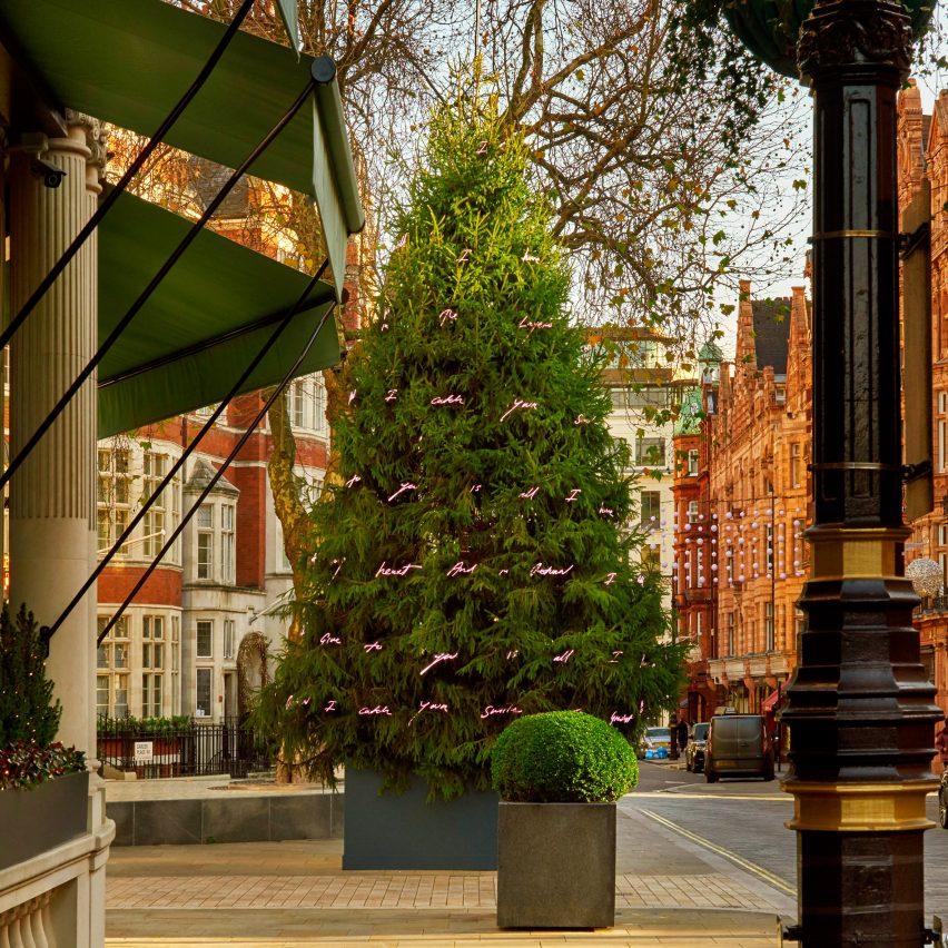 tracey-emin-christmas tree-