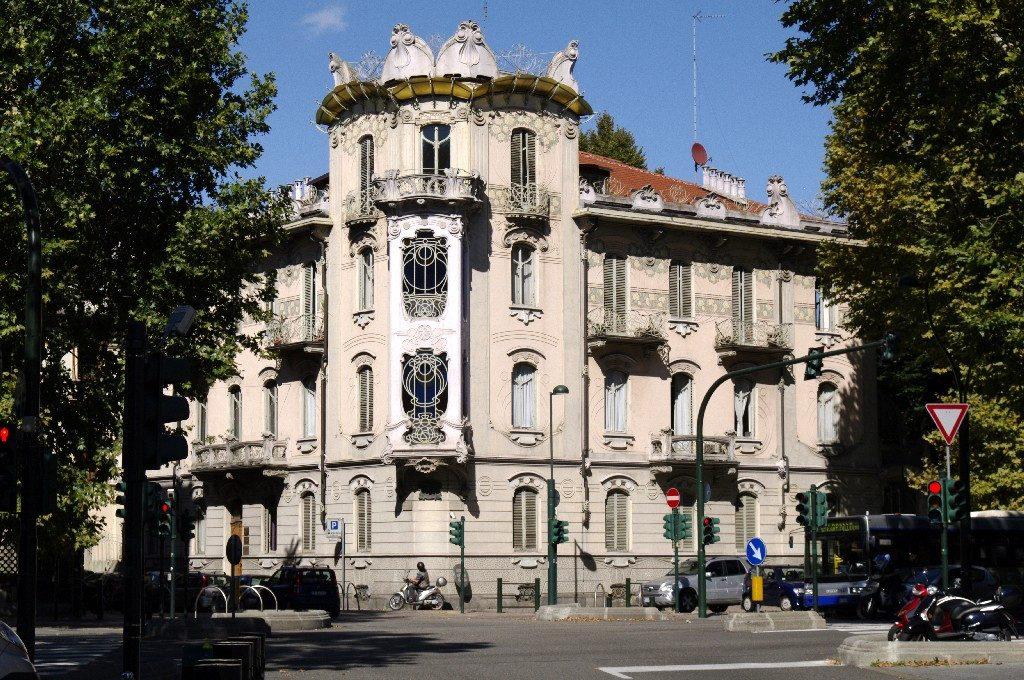 Torino città da scoprire tra architetture e design contemporaneo || Casa Fenoglio - La Fleur - Liberty italiano