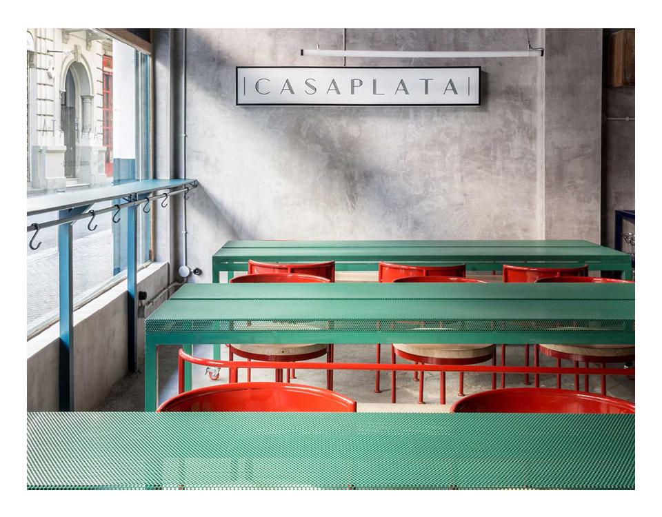 Le geometrie ricorrenti e i colori polverosi di Casaplata