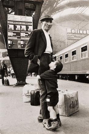 Mimmo Jodice, Milano, Stazione Centrale, 1969 © Mimmo Jodice
